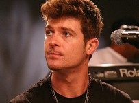 Robin Thicke pic