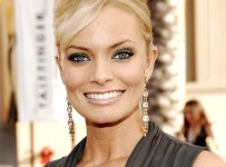 TNT/TBS Broadcasts 13th Annual Screen Actors Guild Awards - Red Carpet