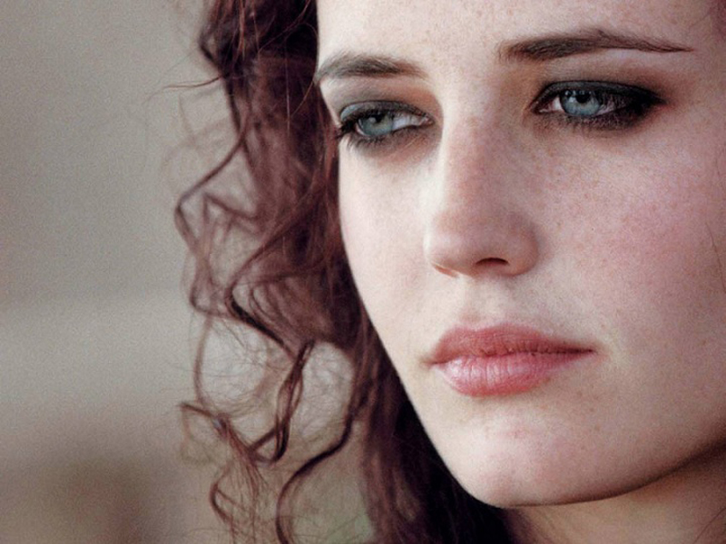 Eva Green Beauty Routine