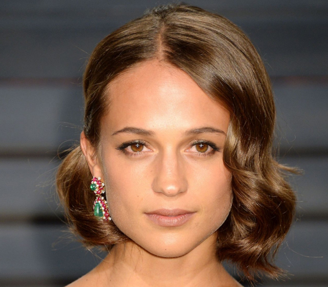 Alicia Vikander Beauty Routine