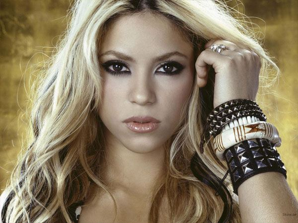 shakira measurements
